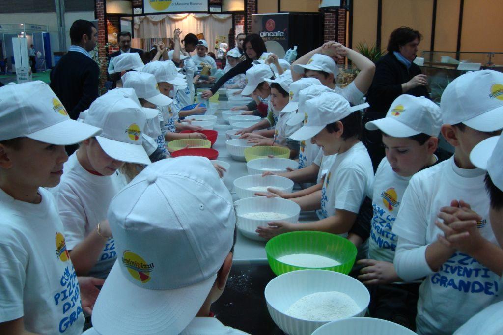 Valerio Torre e il suo laboratorio della pizza per bambini